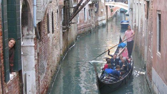 AD Place Venice: habitación y canal
