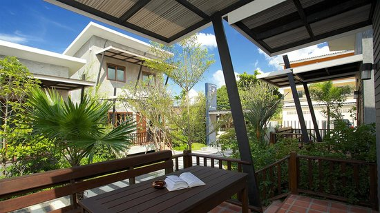 Mangrove Villa: Relax on your large balcony