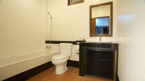 Mangrove Villa: Private bathroom with hot water