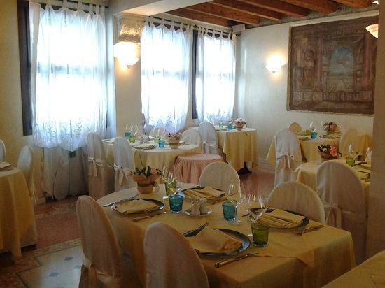 La Cusineta: la sala
