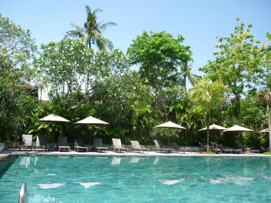 Hotel Santika Premiere Beach Resort Bali: Piscinas con agua caliente