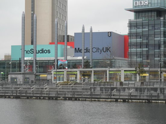 ‪BBC Tour at MediaCityUK‬