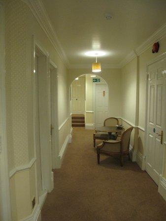 Woodlands Lodge Hotel: 1st floor hallway
