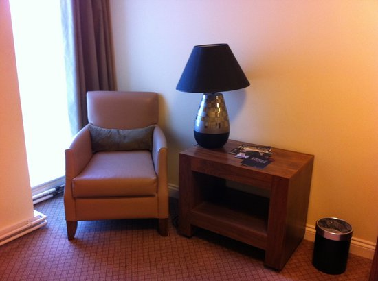Ettington Chase Hotel:                   Room 206