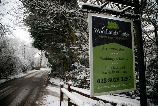 Woodlands Lodge Hotel: Our sign in the snow