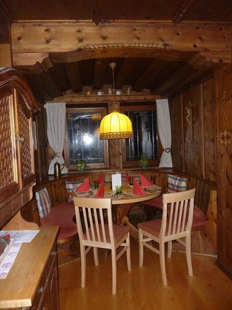 Hotel Feichter : own table