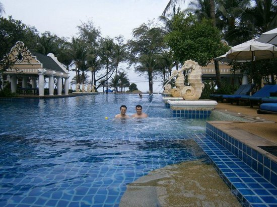 Phuket Graceland Resort & Spa: Phil Phoenix
