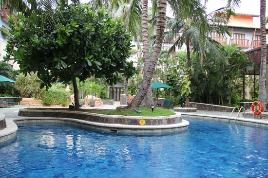 Hard Rock Hotel Bali:                   Relaxed pool on the back