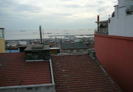 هوتل إنتر اسطنبول: Blick aus einem Zimmer im 6. Stock des Hotels