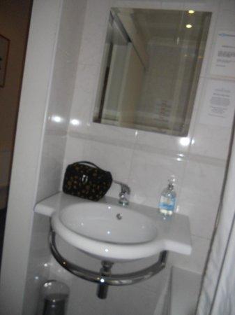 Caring Hotel: Il bagno (2)
