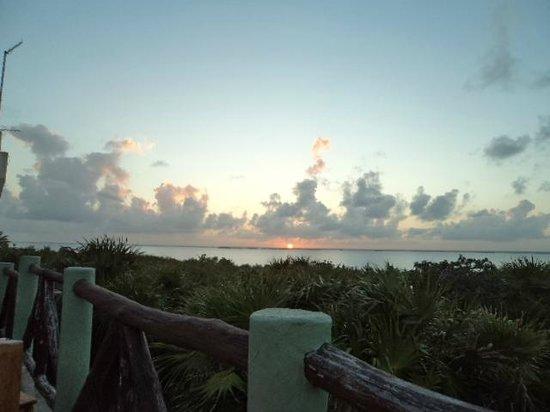 Cesiak Centro Ecologico Sian Ka'an: Sunset over the saltwater lagoons of Tulum
