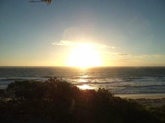 Cesiak Centro Ecologico Sian Ka'an: Sunrise over the Caribbean Sea