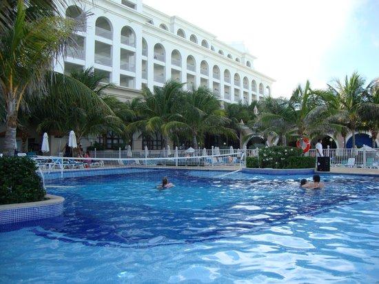 Hotel Riu Cancun: im-pre-sio-nan-te !!