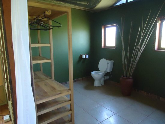 Olowuaru Keri Mara Camp:                                     Washroom