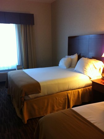 Holiday Inn Express Yreka-Shasta Area: 2 queen beds