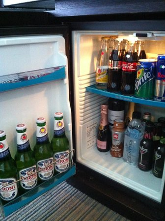 The Lowry Hotel: Mini bar!