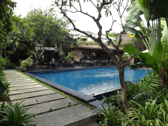 Kamuela Villas and Suite Sanur:                   Hotel Pool