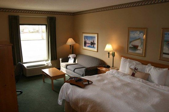 Hampton Inn Seekonk: King Study