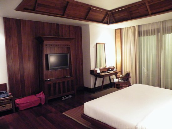 Ratilanna Riverside Spa Resort Chiang Mai: Spacious bedroom