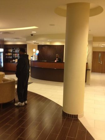 SpringHill Suites Chesapeake Greenbrier : lobby was clean modern and staff was friendly.