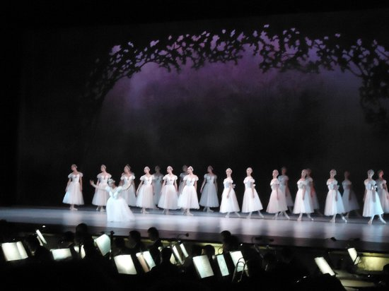 Emirates Palace: First ballet encore