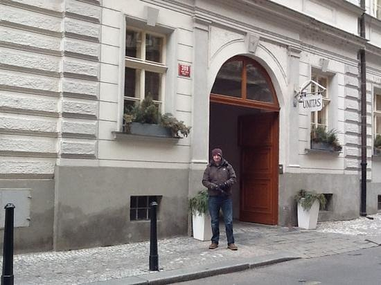 Unitas Hotel:                   hotel entrance on Bartolemski street