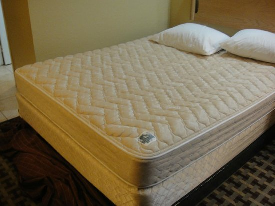 Orlando Metropolitan Resort:                   bed was undone