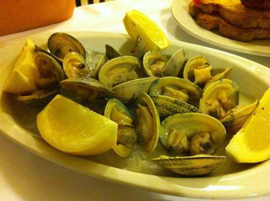 "Can Bonachi: ""Carril"" clams"