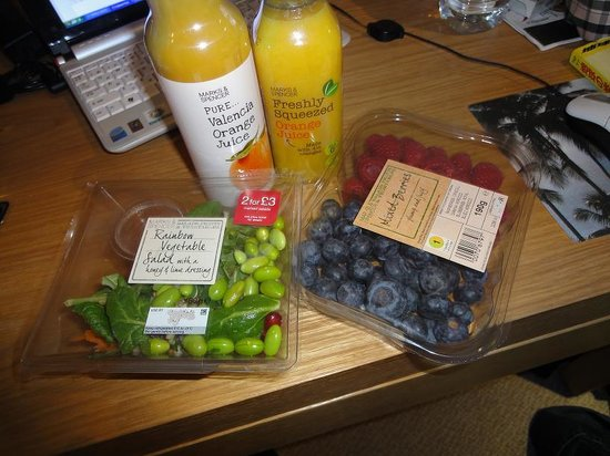 Marks and Spencer Simply Food: Earls Court Simply Food - vegetables & fruit