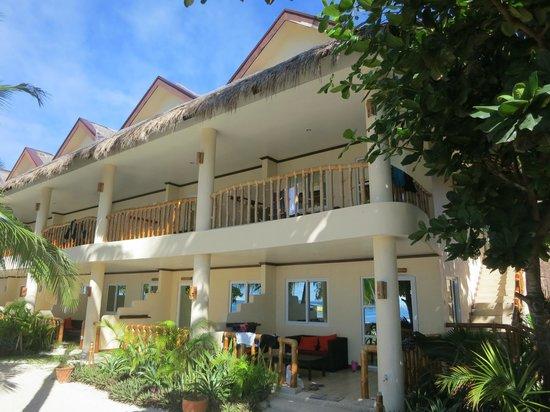 Ocean Vida Beach & Dive Resort: Sea view rooms
