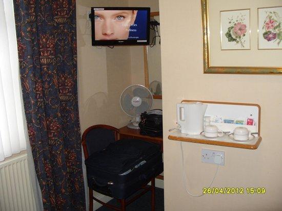 Victor Hotel London Victoria: tv