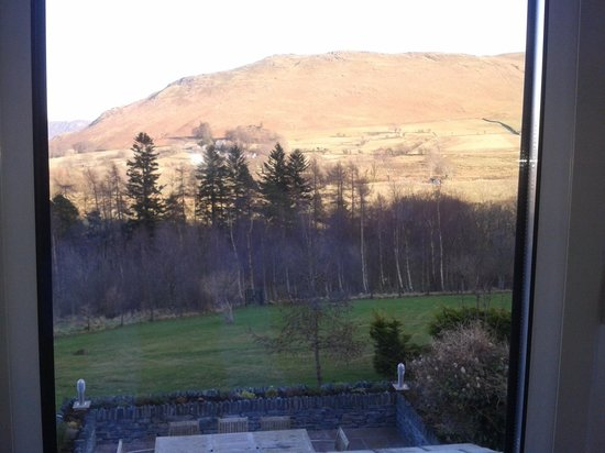 Ellas Crag Guest House : View of catbells from the window in the Robinson room