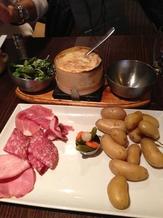 L'Entracte restaurant : yummy cheese dish
