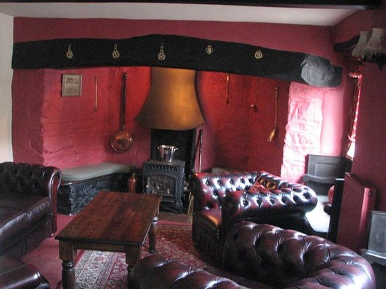 The West Arms Hotel: The lounge