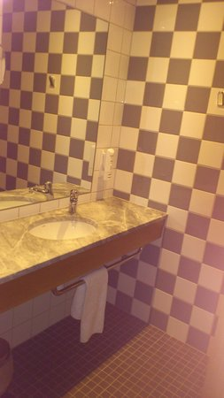 Scandic Linkoping City : Part of the bathroom, room #511