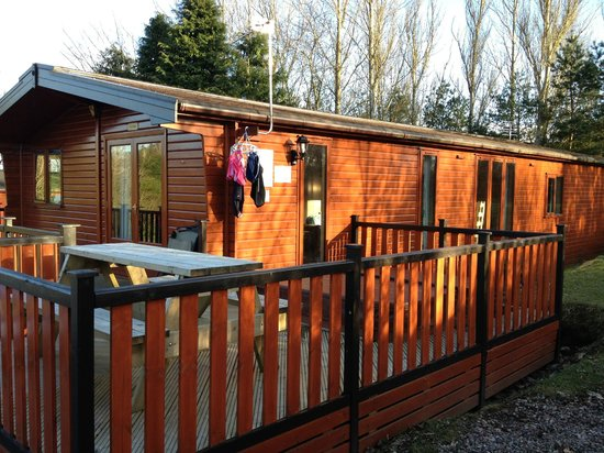 Blairgowrie Holiday Park: The Larches Lodge with Hot Tub