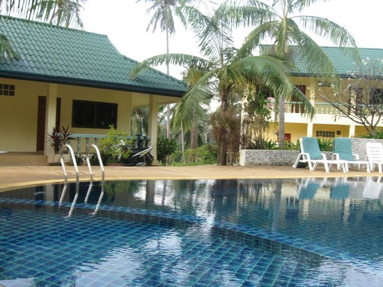 Samui Reef View Resort : poolside view