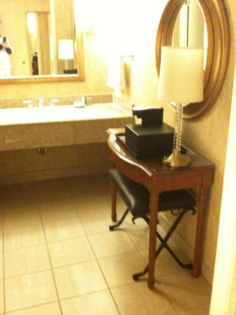 DoubleTree by Hilton Houston - Greenway Plaza: Bath