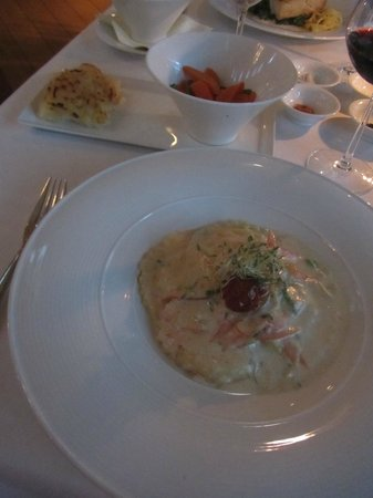 Seven Stars Resort & Spa: Seven - Crab stuffed ravioli..yum!