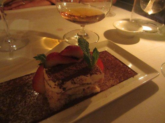 Seven Stars Resort: Seven restaurant - tiramisu :-)