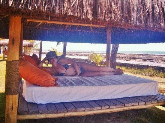 Arraial D'Ajuda Eco Resort: DESCANSO FRENTE MAR DIA