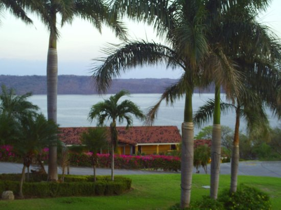 Allegro Papagayo :                                                       The view from the lobby