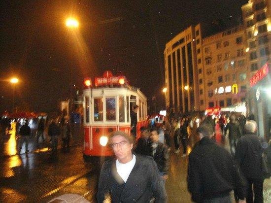 Sultanahmet District: tranvia