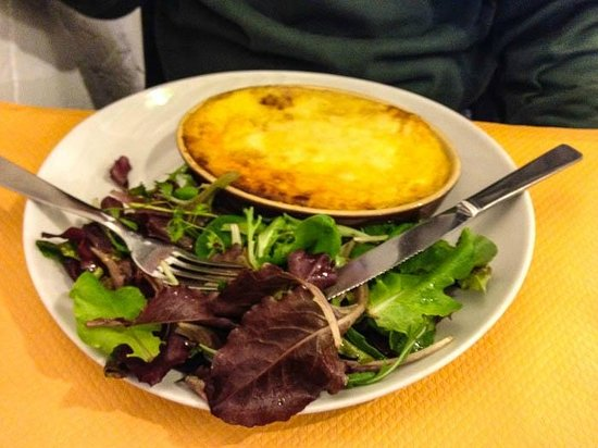 Restaurant La Terrasse : Lasagne with salad with vinegar and oil