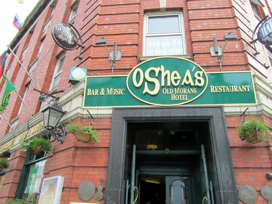 O'Shea's Hotel: the hotel from outside