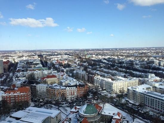 Radisson Blu Hotel, Hamburg: View from our 27th floor room