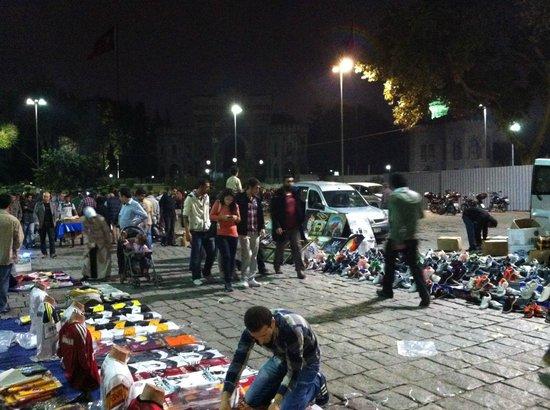 Sultanahmet District: Street vendors