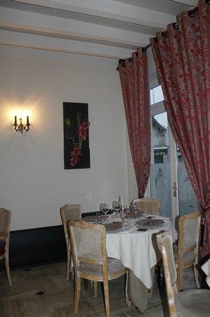 Le Cheval Blanc : Salle à Manger