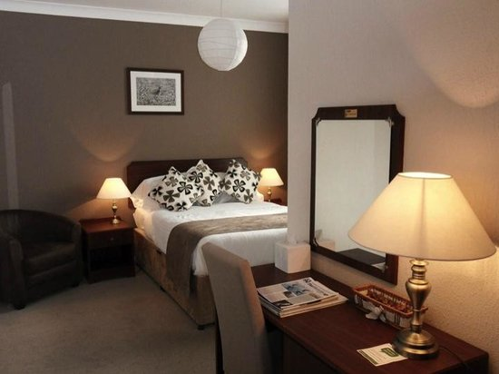 Grant Arms Hotel: A typical bedroom in the Grant Arms