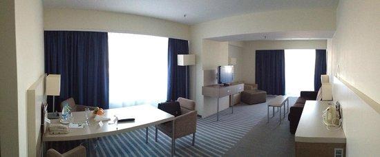 Holiday Inn St. Petersburg Moskovskiye Vorota: Suite